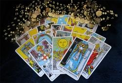 Tarot Reading with Yes or No Tarot Spread