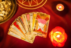 Yes or No Tarot for Love and Romance