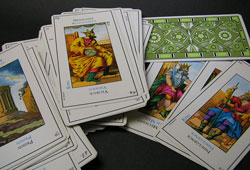 Method for Answering Yes or No Questions with Tarot