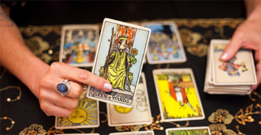 interpreting queen of wands tarot