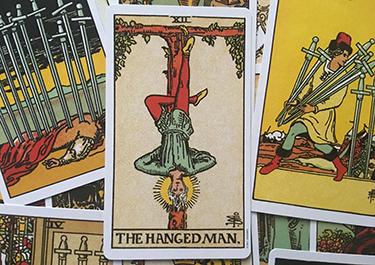 interpreting the hanged man tarot card